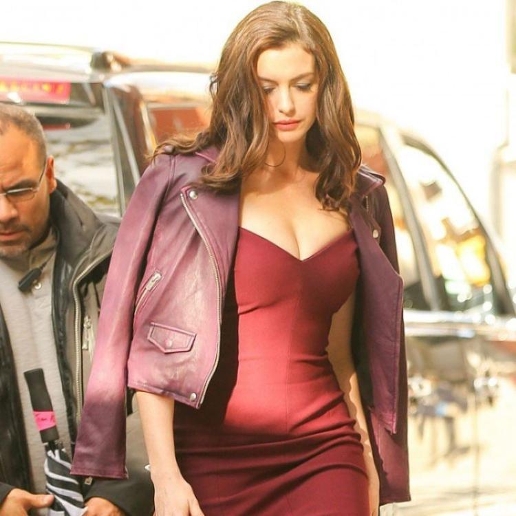 Anne Hathaway Oceans 8 Daphne Kluger Leather Jacket